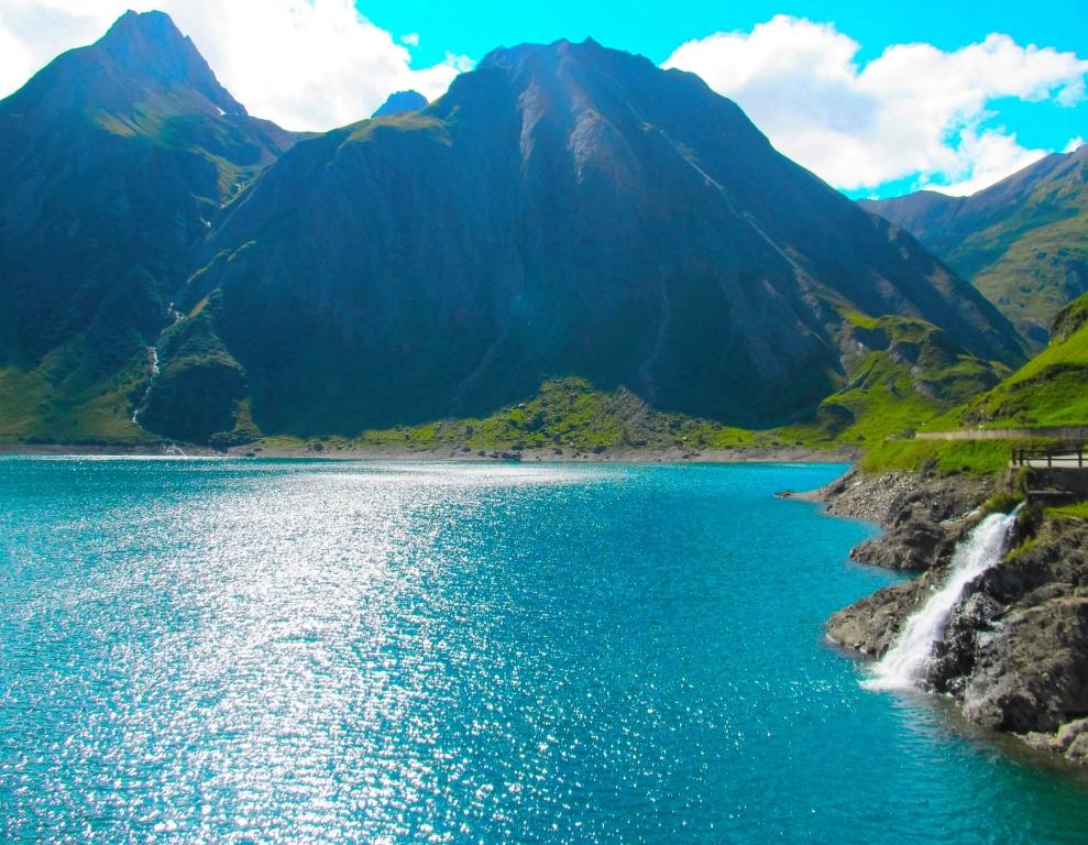 Stampe artistiche quadri e poster con blu fiume lago for Stampe paesaggi naturali