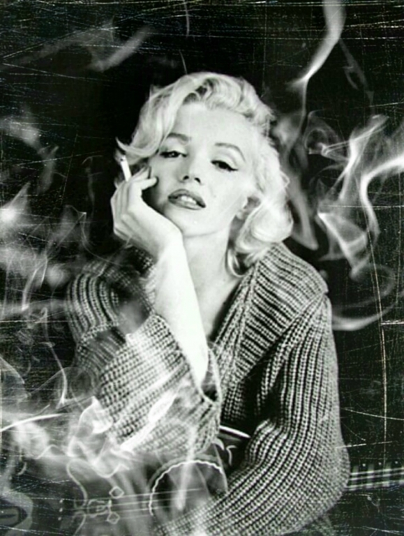 Wall Art Canvas Print And Poster Of Marilyn Monroe Smoke