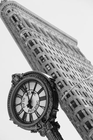 Orologio e Flatiron Building - New York