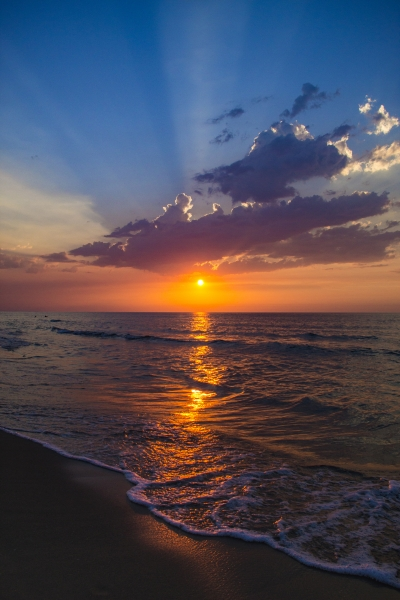 Stampe artistiche, quadri e poster con bellezza, cielo blu, cielo  infuocato, estate, mare, paesaggi, profumo, profumo di mare, riflessi,  tramonto, viaggi, vita marina - Tramonto di mare