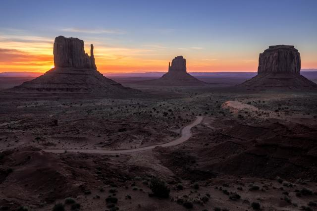 Alba alla Monument Valley